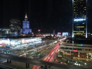 zdjęcie ze strony https://www.maxpixel.net/Warsaw-Poland-Smart-City-Night-Transport-Traffic-897372